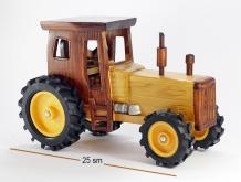 Деревянный трактор 586
